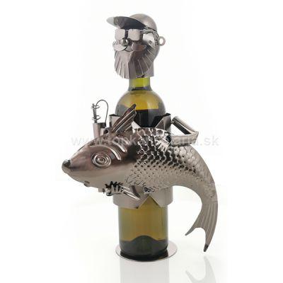 98750 Kovový stojan na víno, motív rybár s rybou
